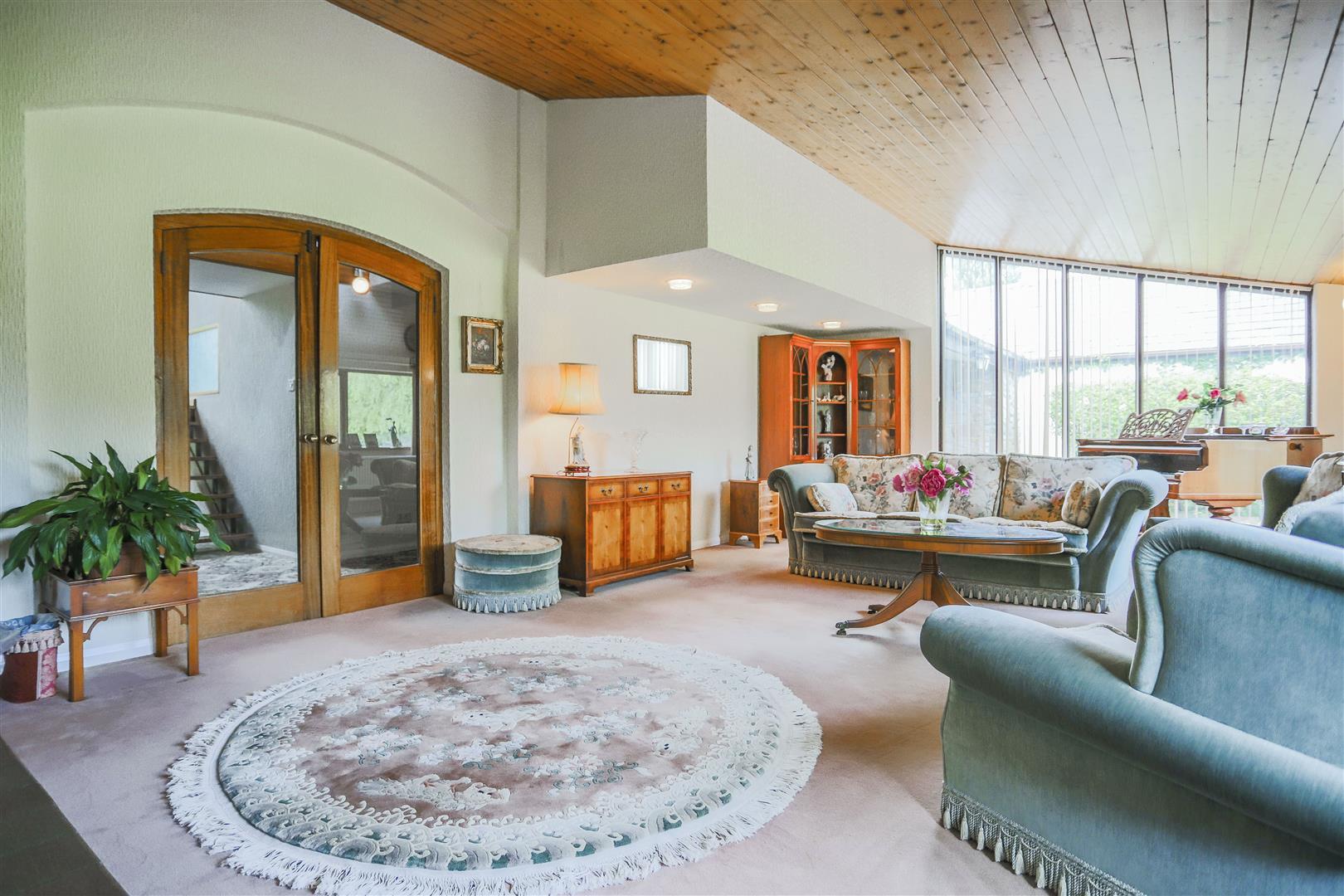 5 Bedroom Farmhouse For Sale - 20.JPG